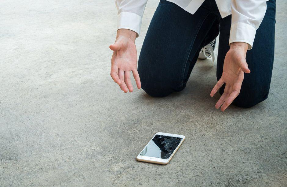 Kaj vse tvegamo z nezaščitenim telefonom?
